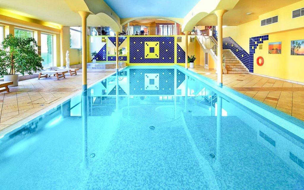 Praha luxusně ve 4* hotelu s neomezeným wellness a slevou na masáž