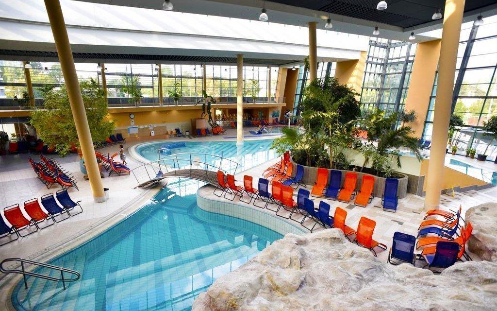 Maďarsko v exkluzivním hotelu přímo propojeném chodbou s termály a polopenzí