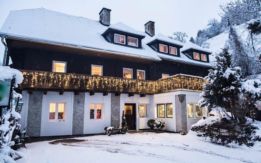 Rakouské Alpy s polopenzí ve slovenském rodinném penzionu kousek od sjezdovky