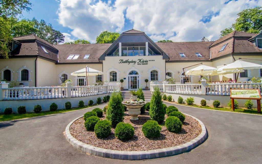 Balaton luxusně na zámku se vstupem do lázní, termálním wellness a polopenzí