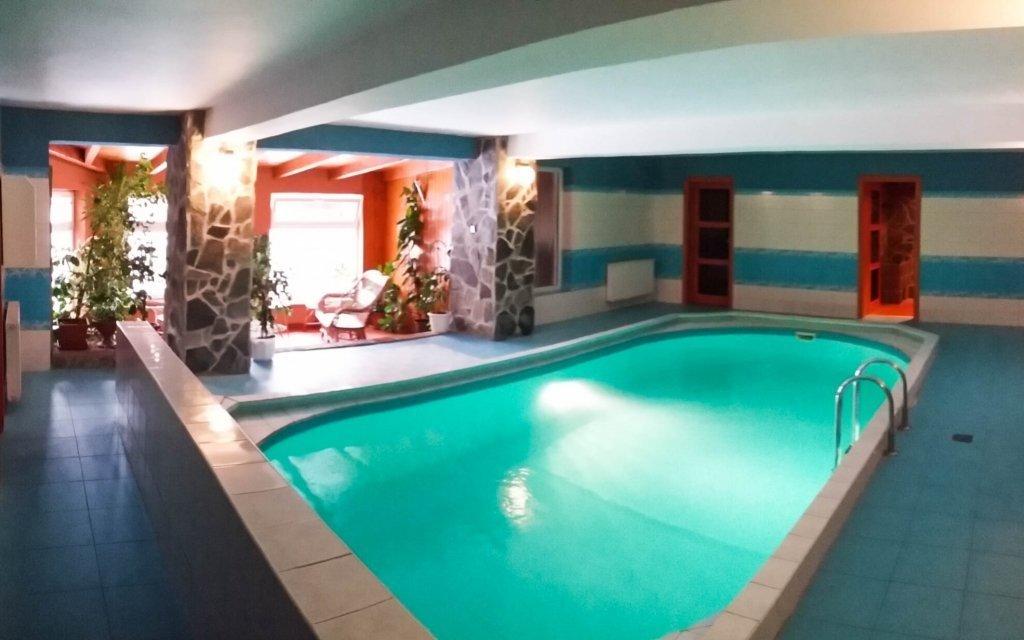 Orava s krytým bazénem, saunou, snídaní i slevou do ski areálu a aquaparku