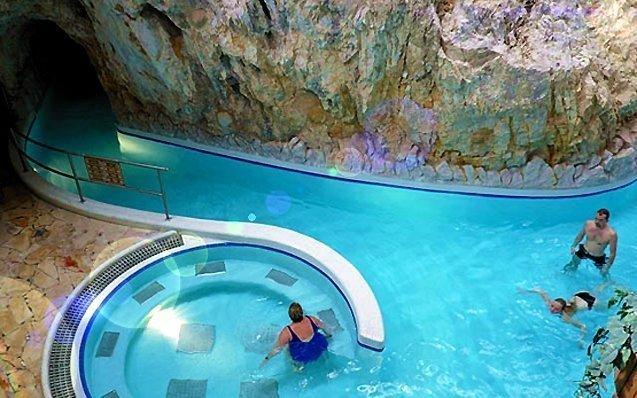 Miskolc Tapolca ve 3* hotelu Fortuna se vstupem do jeskynních lázní a wellness
