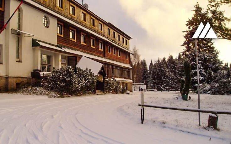 Jizerské hory v hotelu Maxov *** s polopenzí a saunou v blízkosti ski areálu