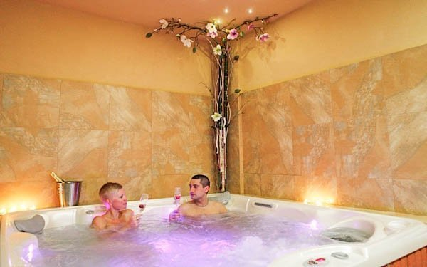 Vysočina v hotelu s polopenzí a wellness procedurami + 2 děti do 12 let zdarma