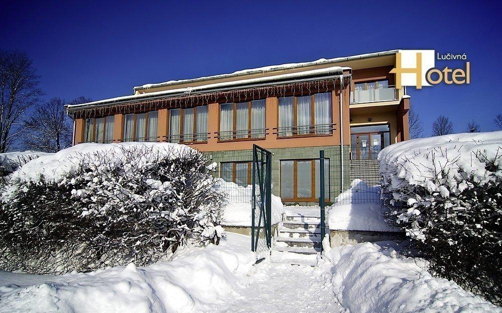Vysoké Tatry nedaleko lyžařského areálu s polopenzí, wellness a skipasem