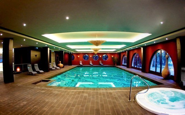 Budapešť luxusně v hotelu roku 2015 s neomezeným wellness a polopenzí