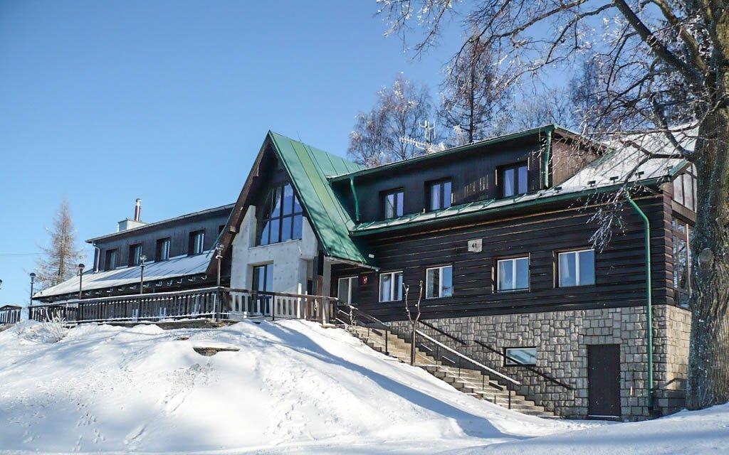 Zimní Krkonoše v penzionu Pohlednička s polopenzí i slevou na skipas a saunu