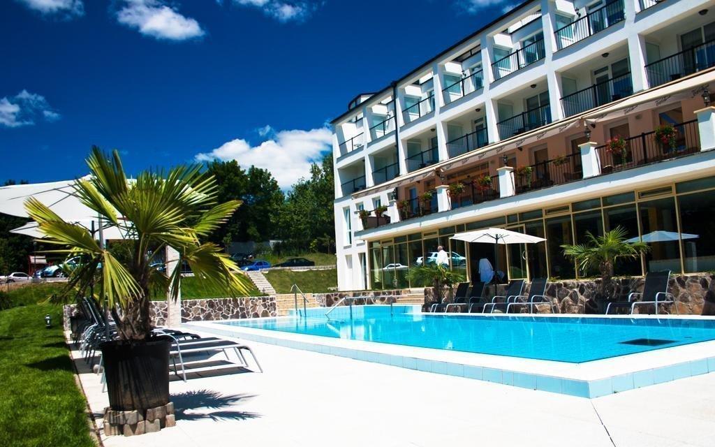 Miskolc luxusně ve 4* hotelu s bohatým wellness, polopenzí a poukazem na masáž