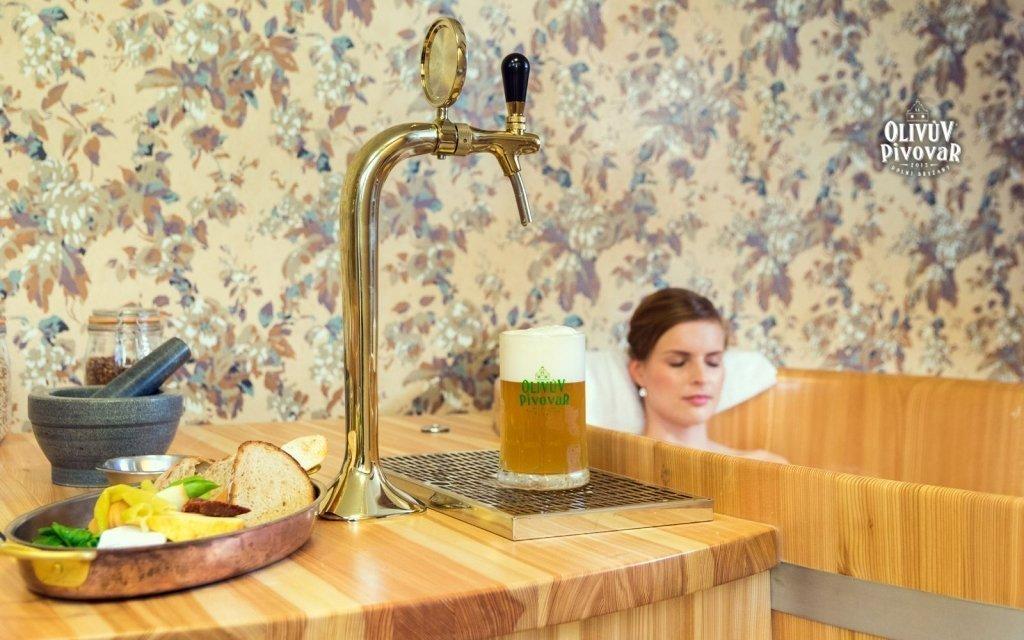Jih Prahy v rodinném pivovaru s pivní lázní, degustací a neomezenou konzumací