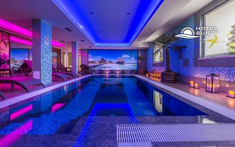 Senec ve 4* hotelu Sun s polopenzí a bazénem se slanou vodou, saunou i vířivkou