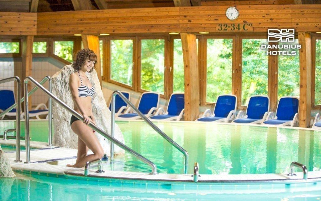 Hévíz luxusně ve 4* hotelu Danubius s wellness a polopenzí + dítě zdarma