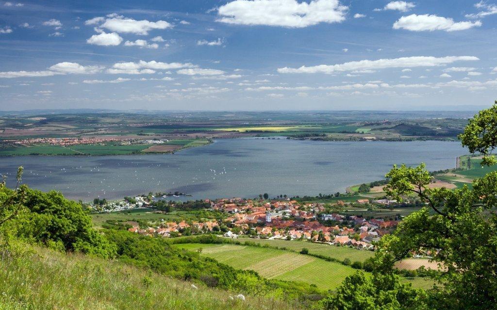 Jižní Morava v penzionu se snídaní, lahví vína a zapůjčením kol
