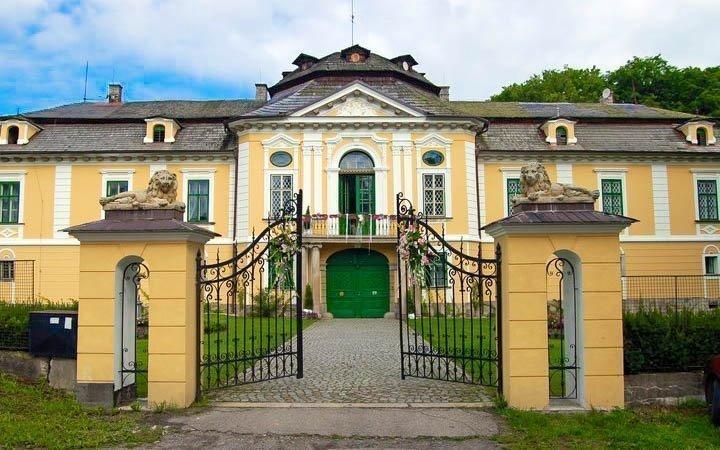 Vysočina: romantický pobyt na zámku Úsobí se snídaní či polopenzí
