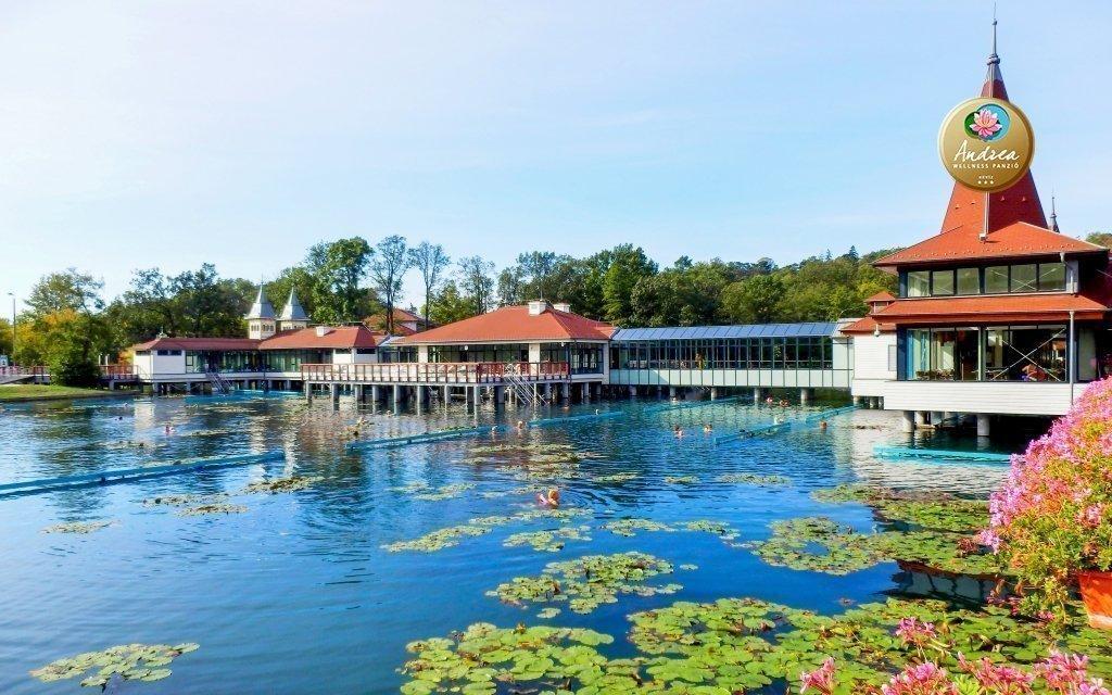 Hévíz s neomezeným vstupem do wellness a k termálnímu jezeru - až do prosince