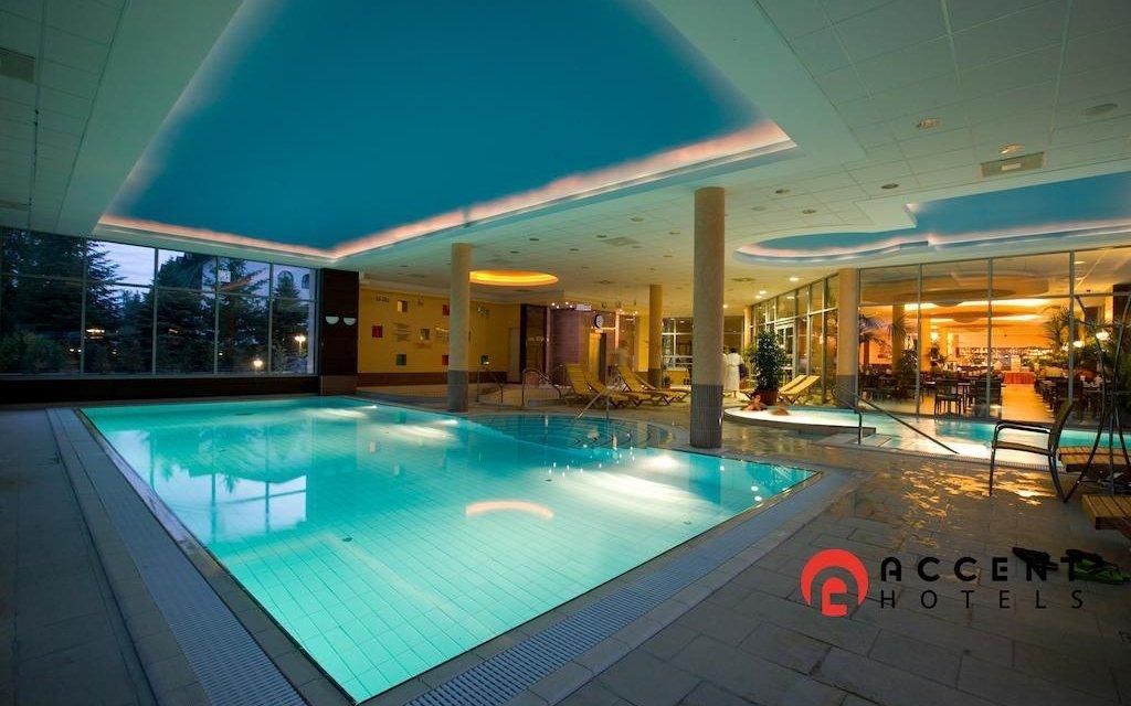 Maďarské termály luxusně ve 4* hotelu s termálními bazény + 2 děti zdarma