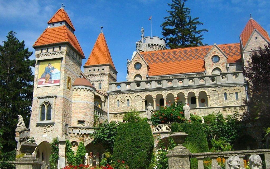 Maďarsko s polopenzí a vstupem do tureckých lázní v krásném korunovačním městě