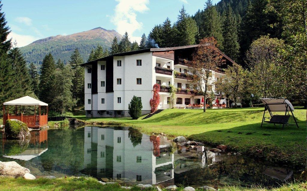 Rakouské Alpy s polopenzí a slevovou kartou + 2 děti do 15 let zdarma