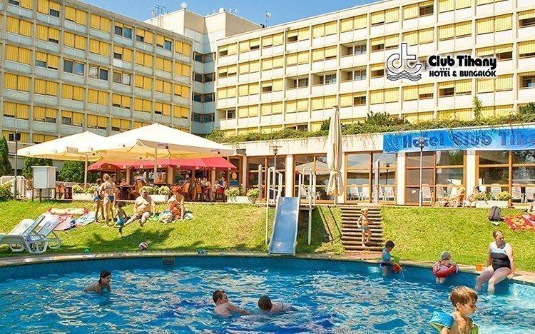 Balaton v luxusním 4* pobřežním resortu s wellness ostrovem + dítě zdarma