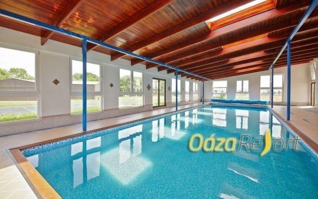 České středohoří s wellness, neomezeným bazénem a zapůjčením kol až do října