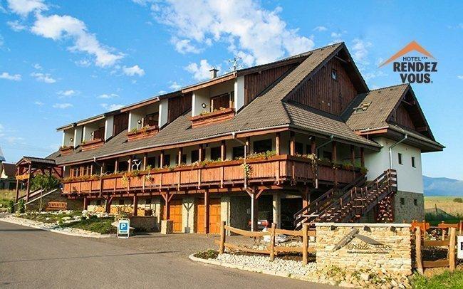 Liptov ve 3* hotelu s polopenzí a welcome drinkem nedaleko Tatralandie