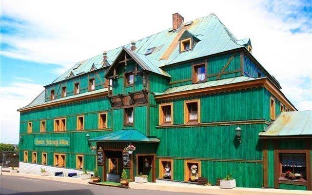 Krušné hory: letní pobyt ve 3* hotelu Zelený Dům s polopenzí - až do listopadu