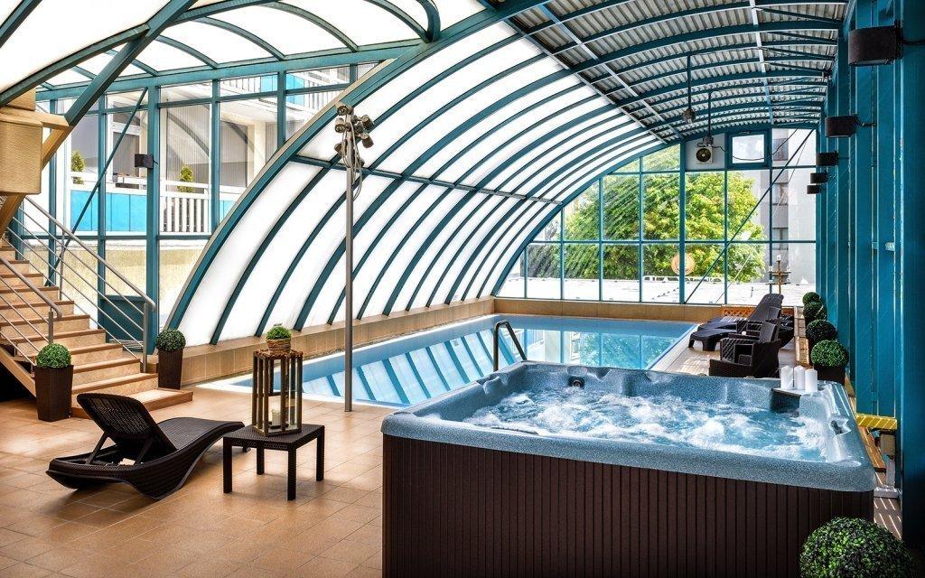 TOP léčebný pobyt v Piešťanech ve 4* hotelu s polopenzí, procedurami a bazénem