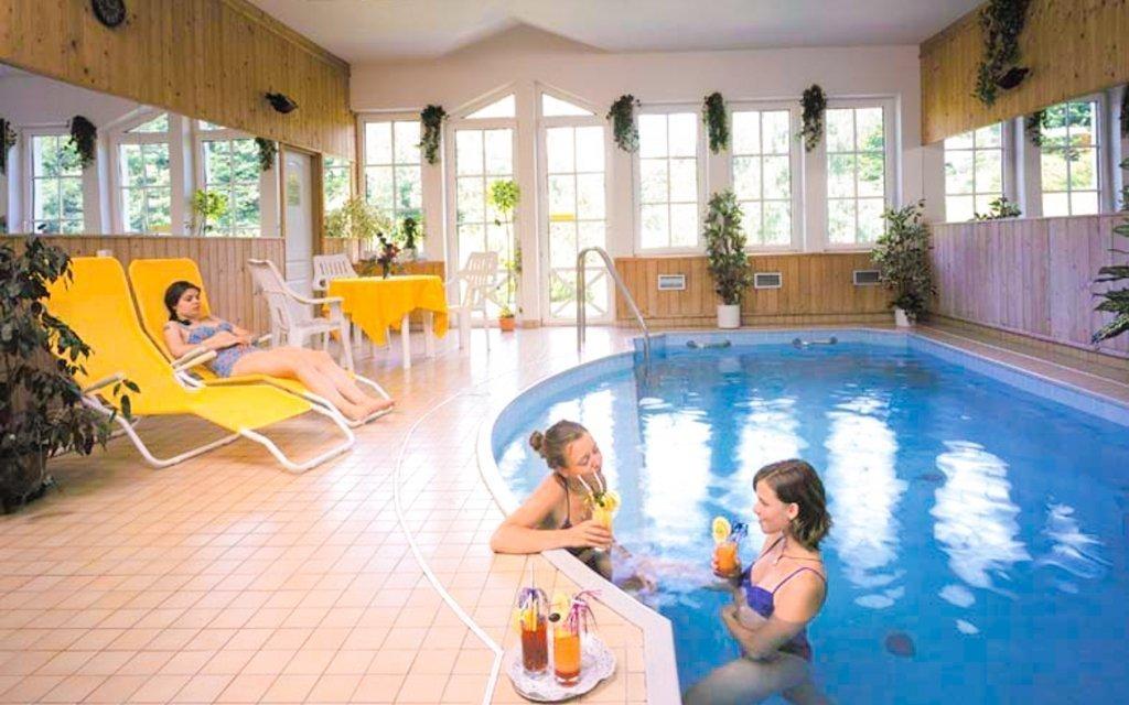 Krkonoše s neomezeným bazénem, masáží a bohatou polopenzí v rodinném hotelu