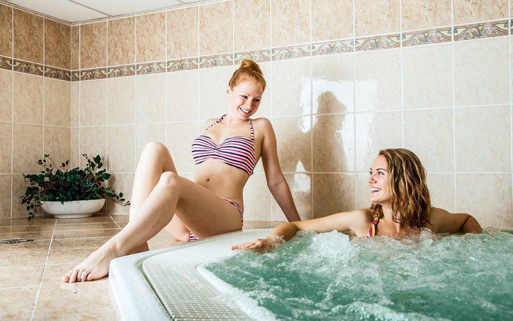 Luhačovice s polopenzí, neomezeným vstupem do bazénu a sauny