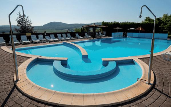 Maďarsko luxusně v 5* resortu s polopenzí a neomezeným vstupem do bazénů