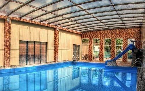 Malé Bielice pro dva s polopenzí a vstupem do termálního bazénu a vířivky