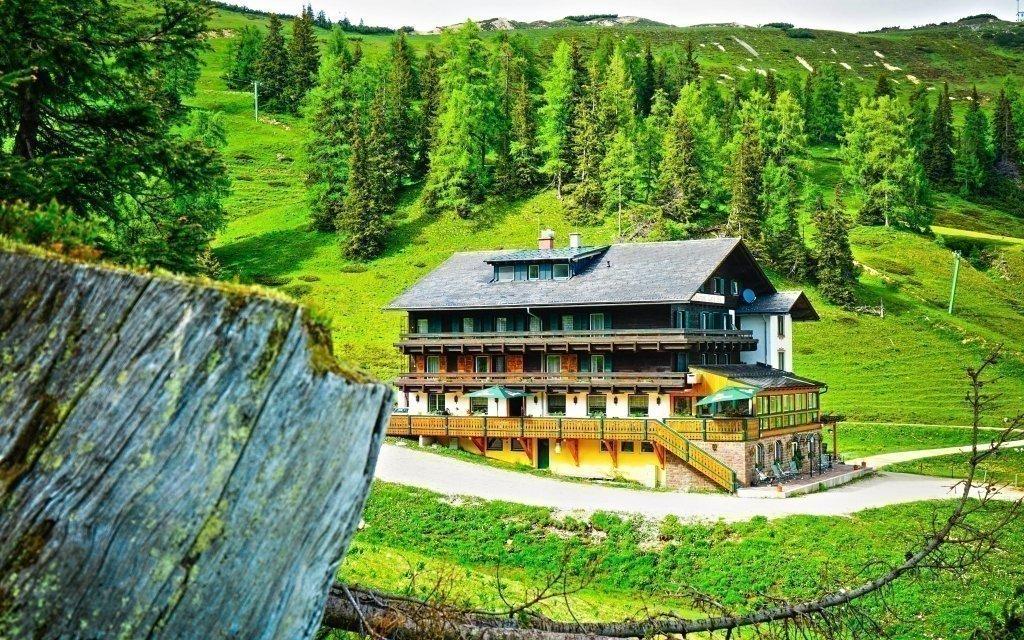 Rakouské Alpy v českém hotelu s vínem a polopenzí + dítě do 15 let zdarma