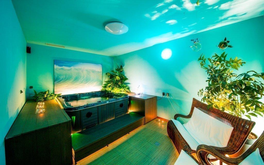 Praha ve 4* luxusním hotelu Modrá stodola s privátním wellness a snídaní