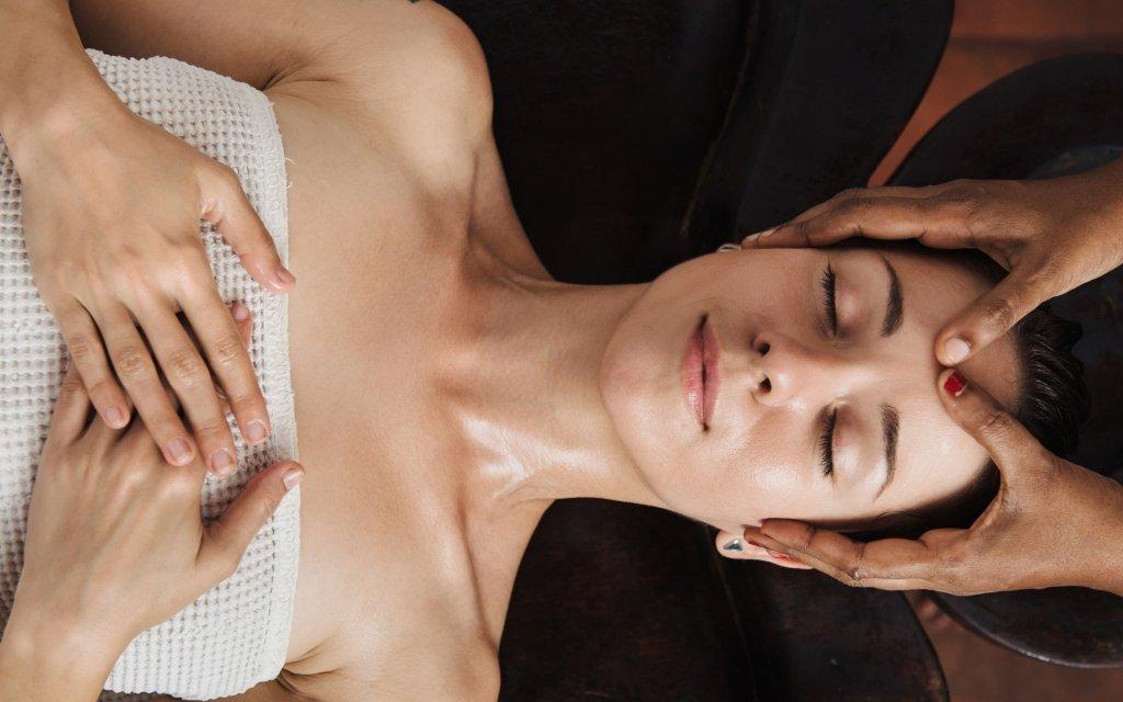 Mariánské Lázně: hotel v centru s až 24 wellness procedurami a polopenzí