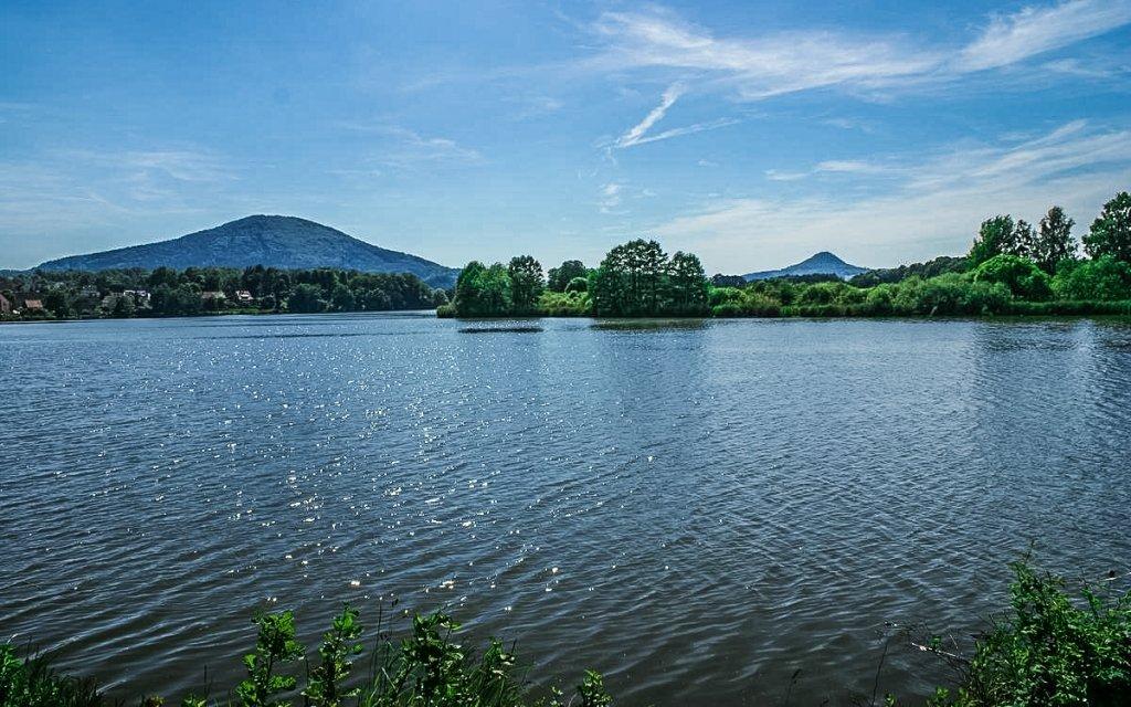 Máchovo jezero: romantický pobyt s polopenzí, sklenkou vína a relaxační masáží