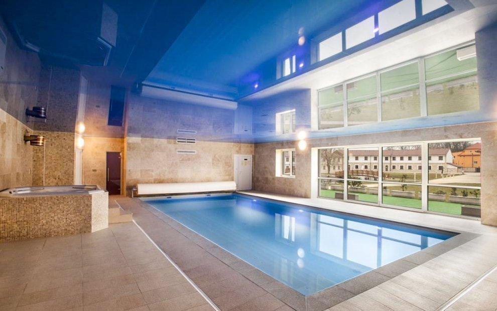 Wellness pro dva v luxusním hotelu Lions: bazén, vířivka a all inclusive light