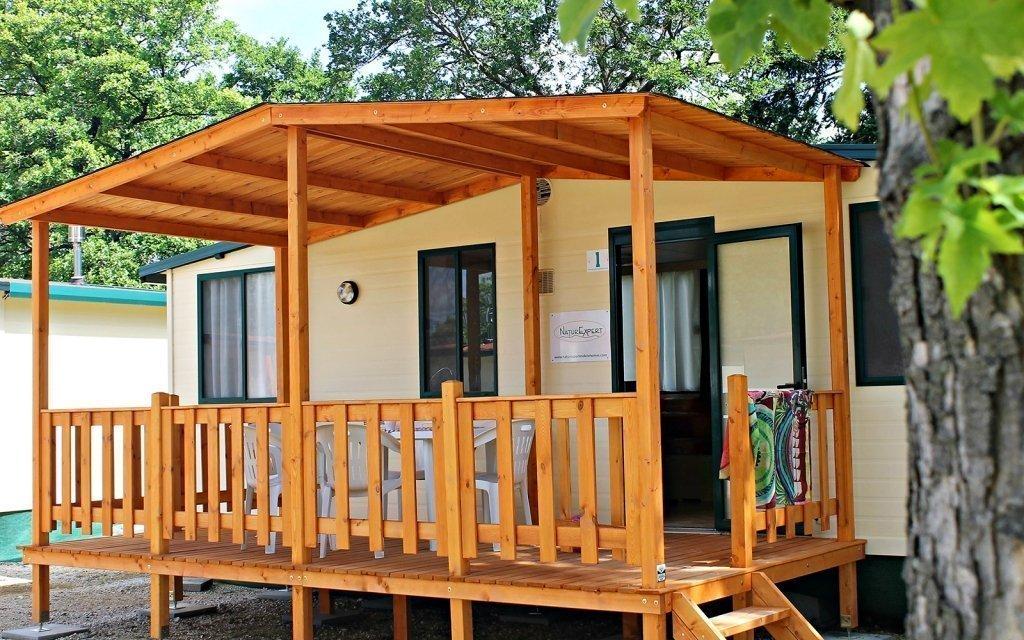 Léto v Büku: dovolená v mobilních domcích hned u lázeňského areálu