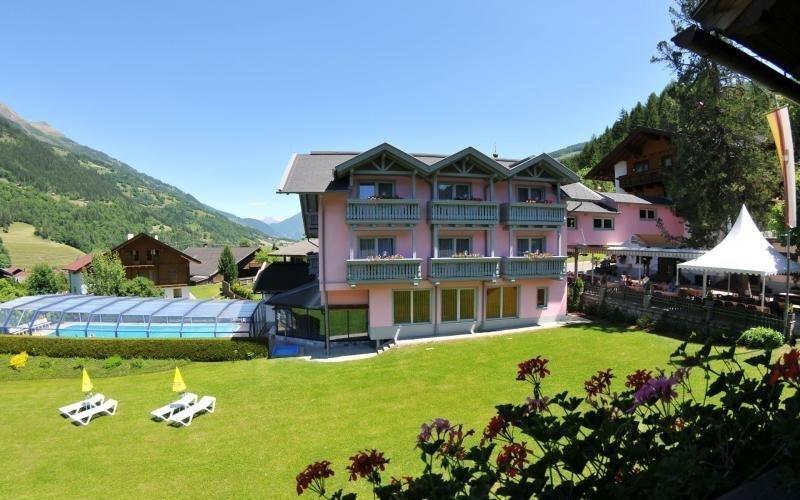 Rakouské Alpy: bazén, wellness, tenis, elektrokola i polopenze