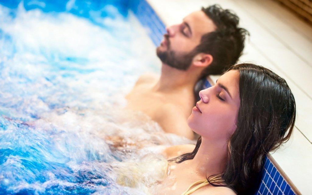 Hévíz s neomezeným wellness s bazénem, vstupem k termálnímu jezeru a polopenzí