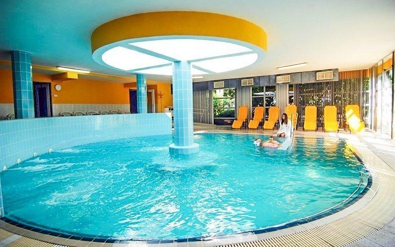 Balaton: 4* hotel s neomezeným wellness a rozšířenou polopenzí + děti zdarma