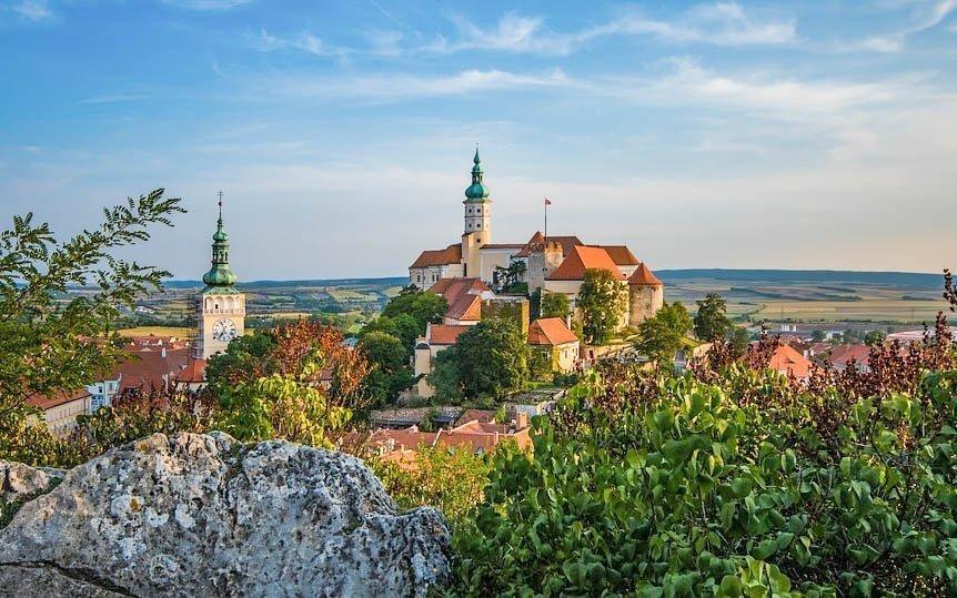 Jižní Morava až pro 4 osoby v penzionu se snídaní, lahví vína a zapůjčením kol