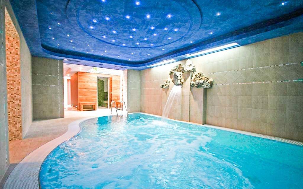 Hegykő v hotelu s luxusním wellness, polopenzí a vstupem do termálních lázní