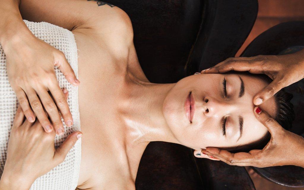 Mariánské Lázně: hotel v centru s až 12 wellness procedurami a polopenzí