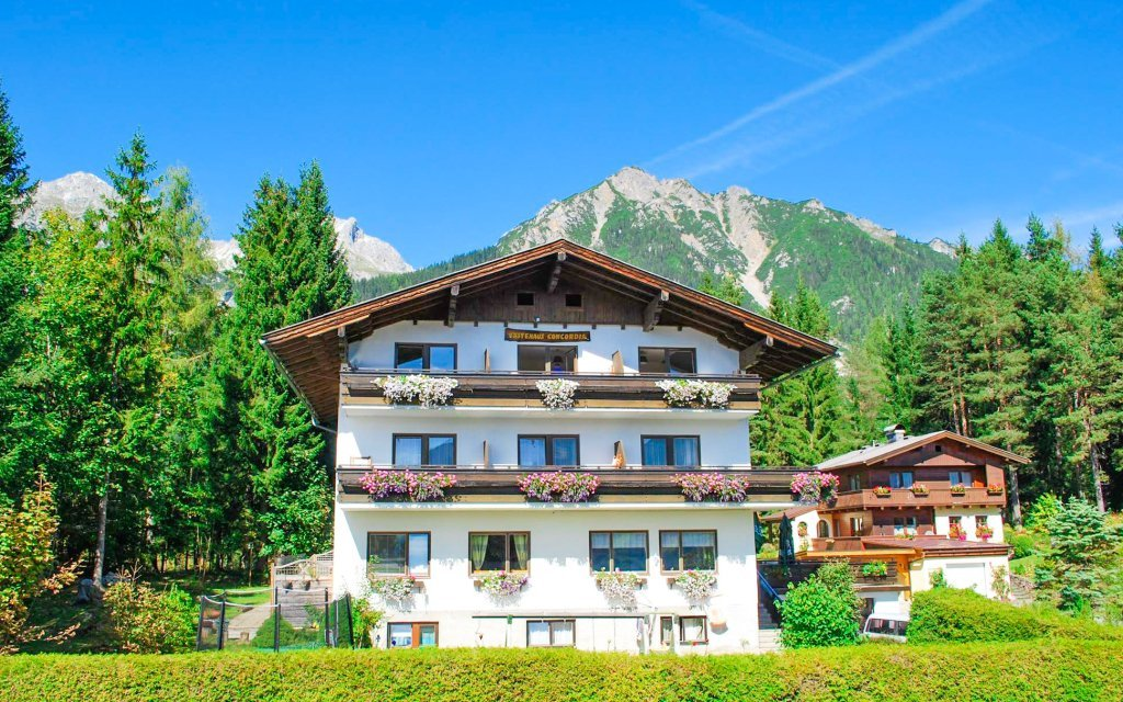 Rakouské Alpy ve slovenském penzionu se snídaní, saunou a kartou Wintercard