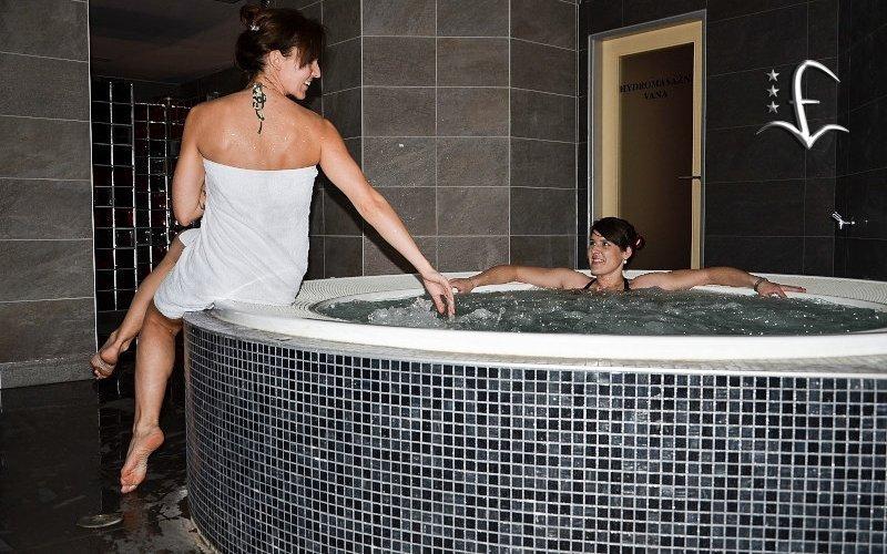 Brno: wellness pobyt u přehrady s vířivkou, saunou a rozšířenou polopenzí