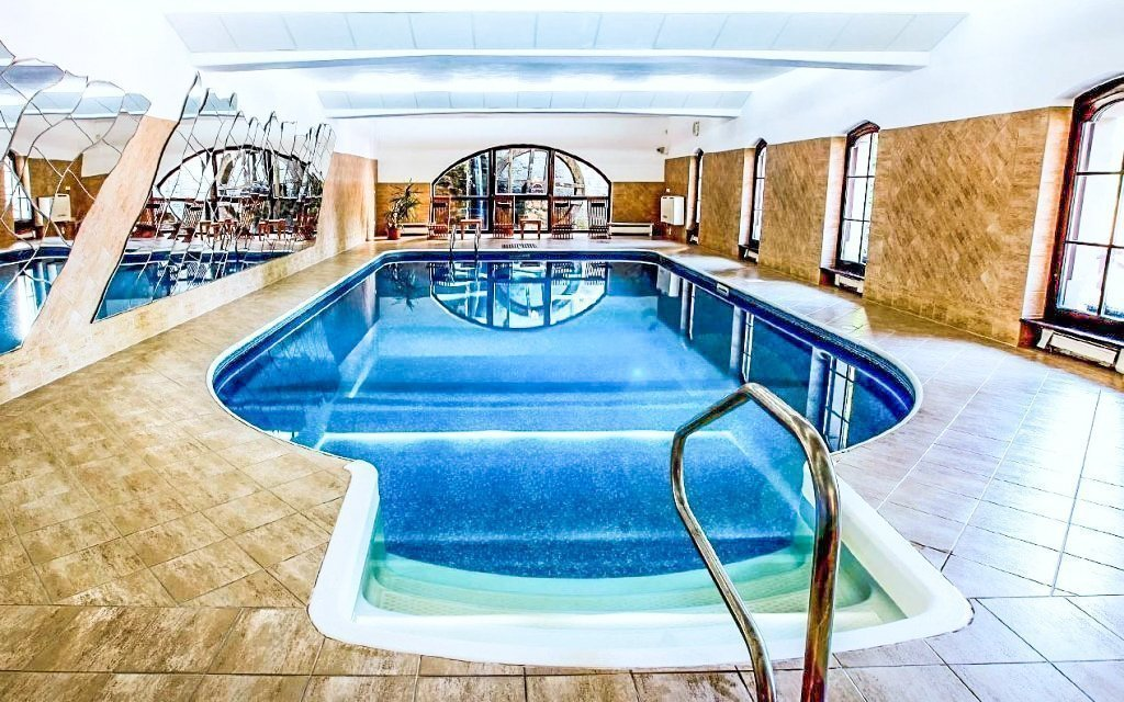 Telč luxusně ve 4* hotelu s neomezeným vstupem do bazénu, bowlingem a polopenzí