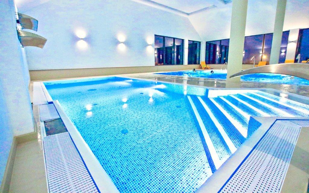 Polsko luxusně s polopenzí, bazénem, saunou a až 10 lázeňskými procedurami