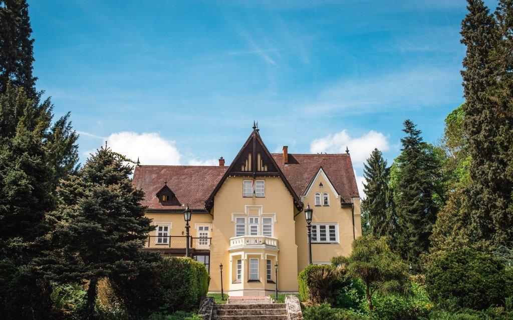 Maďarsko: Festetich Castle Hotel *** u Büku s rozšířenou polopenzí a wellness
