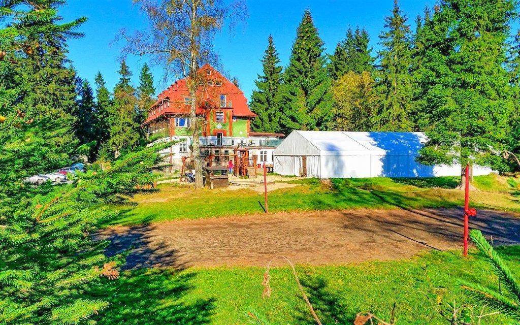 Rodinná dovolená v Horské chatě Zvonice na rozhraní Krkonoš a Jizerských hor