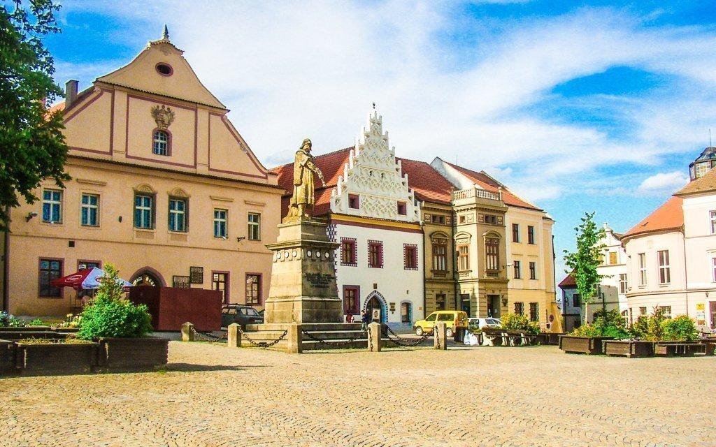 Jižní Čechy v hotelu Slávia se snídaní a úschovou kol + děti zdarma