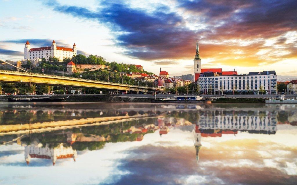 Bratislava: zámecký hotel Agatka **** nedaleko Šúrského pralesa s polopenzí